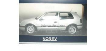 Volkswagen Golf GTI 1976 Silver escala 1/18 Norev 20 años Norev