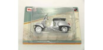 miniature motorcycle Vespa 125 Primavera 1968 1/18 Maisto