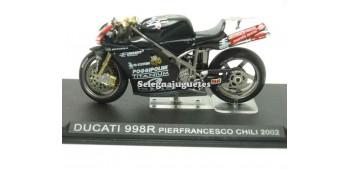miniature motorcycle Ducati 998R Pierfrancesco Chili 2002 1/24