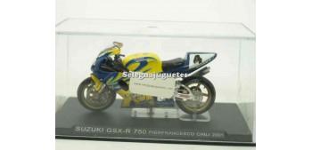 Suzuki GSX R 750 Pierfrancesco Chili 2001 1/24 Ixo moto miniatura metal Ixo