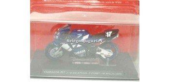moto miniatura Yamaha R7 M. Deletang F. Foret 1/24 Ixo