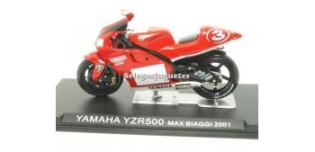 miniature motorcycle Yamaha YZR500 Max Biaggi 2001 scale 1:24