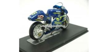 Suzuki RGV500 Kenny Roberts Jr 2000 1/24 Ixo moto miniatura metal Ixo