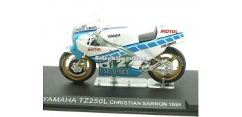 miniature motorcycle Yamaha TZ250L Christian Sarron 1984 1/24