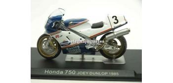 moto miniatura Honda 750 Joey Dunlop 1985 1/24 Ixo