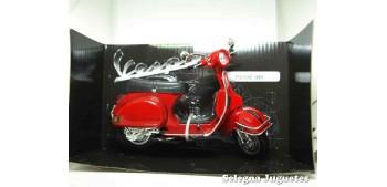 moto miniatura Vespa P200E 1978 roja 1/12 New Ray