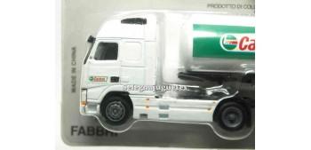 miniature truck Volvo FH12 Castrol 1/87 Italeri
