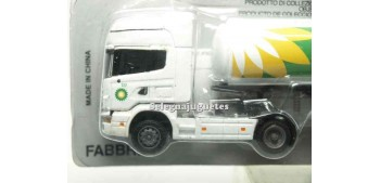 miniature truck Scania 164/580 cisterna 1/87 Italeri