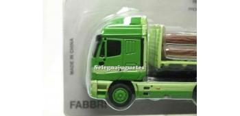 miniature truck Iveco Eurostar 1/87 Italeri