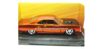 coche miniatura Dom´s Plymouth Road Runner Fast & Furious 1/32
