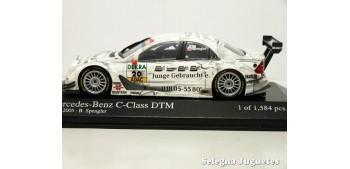 coche miniatura Mercedes Benz C-Class DTM 2005 SPENGLER Blanco