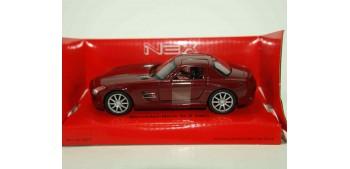 coche miniatura Mercedes Benz SLS AMG rojo 1/34 a 1/39 Welly