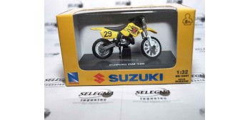 miniature motorcycle Suzuki Rm 125 escala 1/32 New Ray