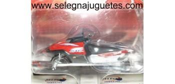 miniature motorcycle Yamaha SXViper 1/24 Moto Nieve Yat Ming