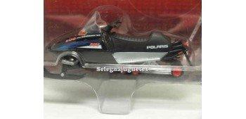 maquetas de coches Polaris RMK 500 1/24 Moto Nieve Yat Ming