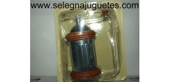 Molinillo café de metal con acanaladuras verticales