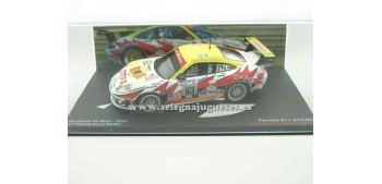 miniature car Porsche 911 GT3-RS Le Mans 2003 1/43 Ixo