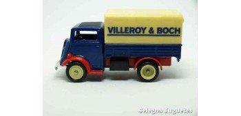 FORDSON TV VILLEROY & BOCH - CORGI Van