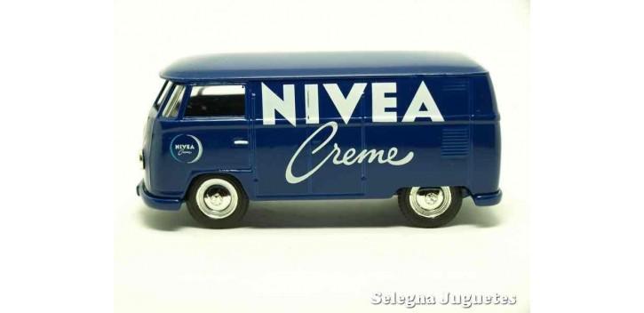 coche miniatura VOLKSWAGEN Furgoneta TRANSPORTER NIVEA CORGI