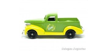 Chevrolet Pick Up Gini Corgi van