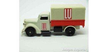 Bedford 30 CWT Lu Corgi Van