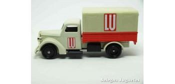miniature car Bedford 30 CWT Lu Corgi Van
