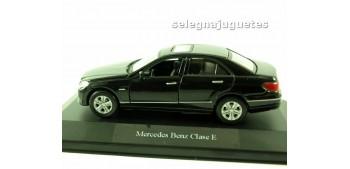 miniature car Mercedes Benz Clase-E (showbox) scale 1:42