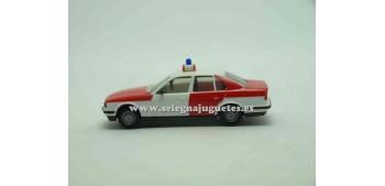 miniature car Bmw 525i 1/87 Herpa Feuerwehr r-w