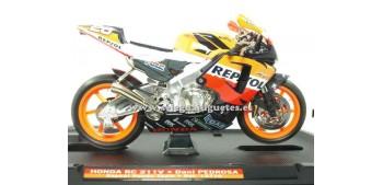 miniature motorcycle Honda Rc 211 Dani Pedrosa 1:10 Guiloy