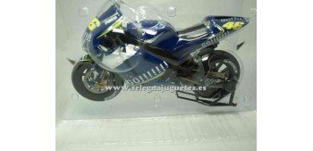 Yamaha Yzr M1 2004 Rossi 1/9 Italeri