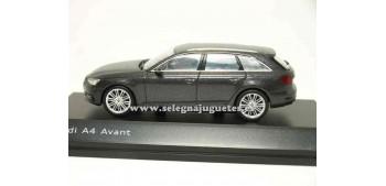 lead figure Audi A4 Avant Daytona Grey 1:43 Spark