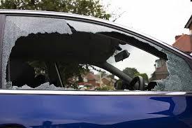 Truco para romper la ventana de un auto – YouTube